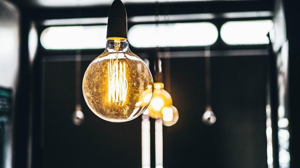Как да намалим разходите си за електроенергия